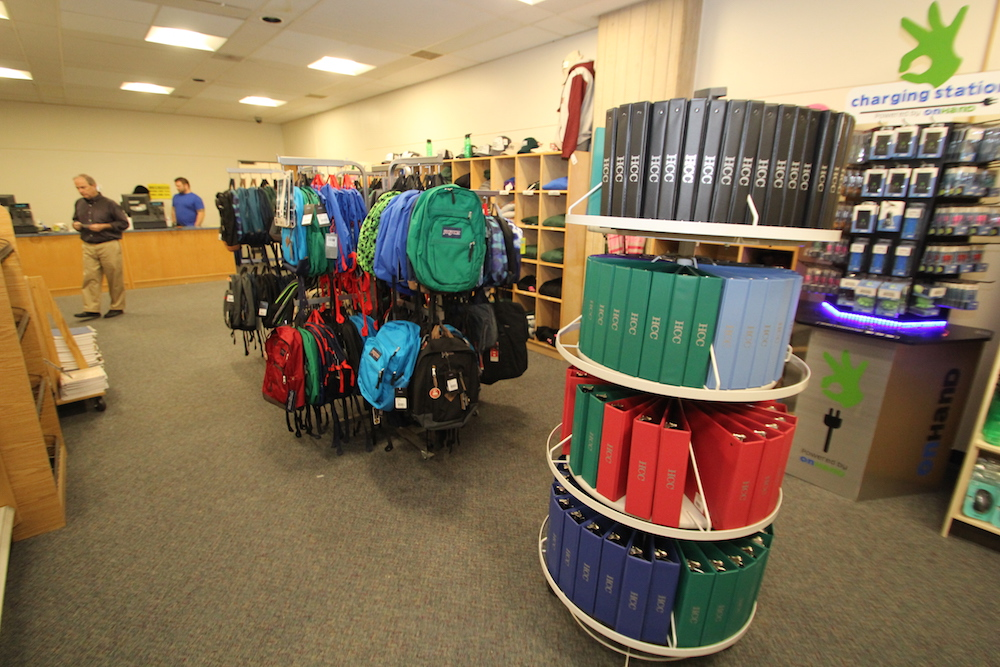 Binders and backpacks in the HCC college store